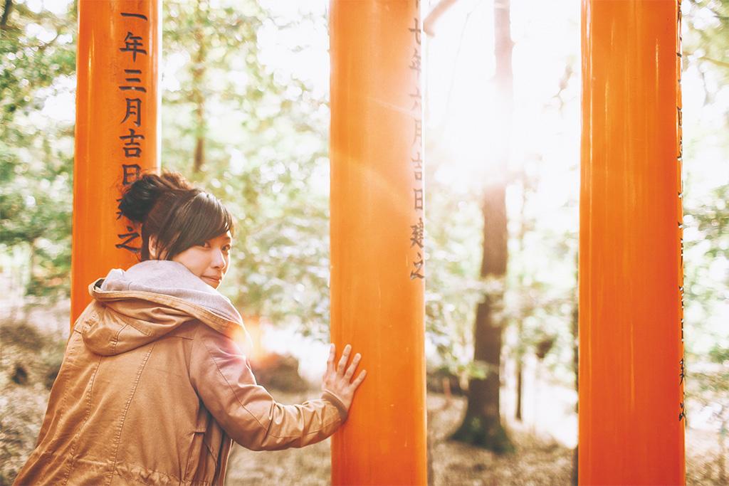 【京都拍婚紗】景點 – 伏見稻荷大社的光