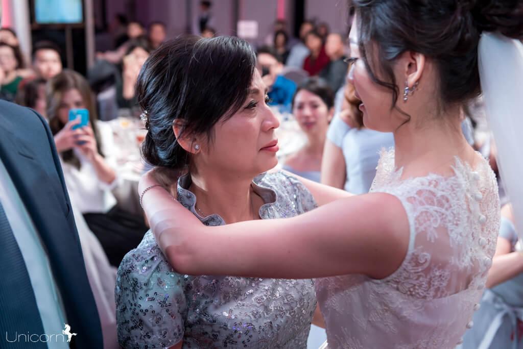 《那些婚禮上的母親們》